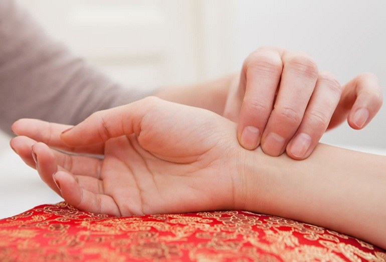 DIPLOMA IN ACUPUNCTURE & TRADITIONAL PULSE DIAGNOSING